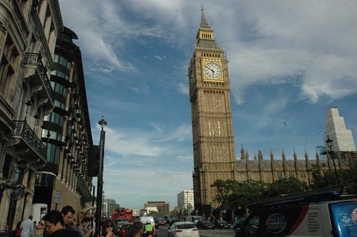 Londoning.