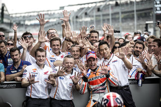 ten-in-a-row-marc-márquez-and-his-honda-crew